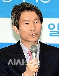 박지원, 왜 광주개새끼들아! 라고 했을까?/ 정치권 정리해고 시급하다 - 시사·정치 게시판 - 안사모 공식사이트 : 28844_30514_5157.jpg